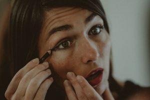 Eye Makeup Tips – How to Apply Eyeliner